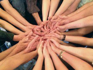 Hände -- Foto von einem WS mit Kelly Bryson -- Quelle: lernort-wuppertal.de